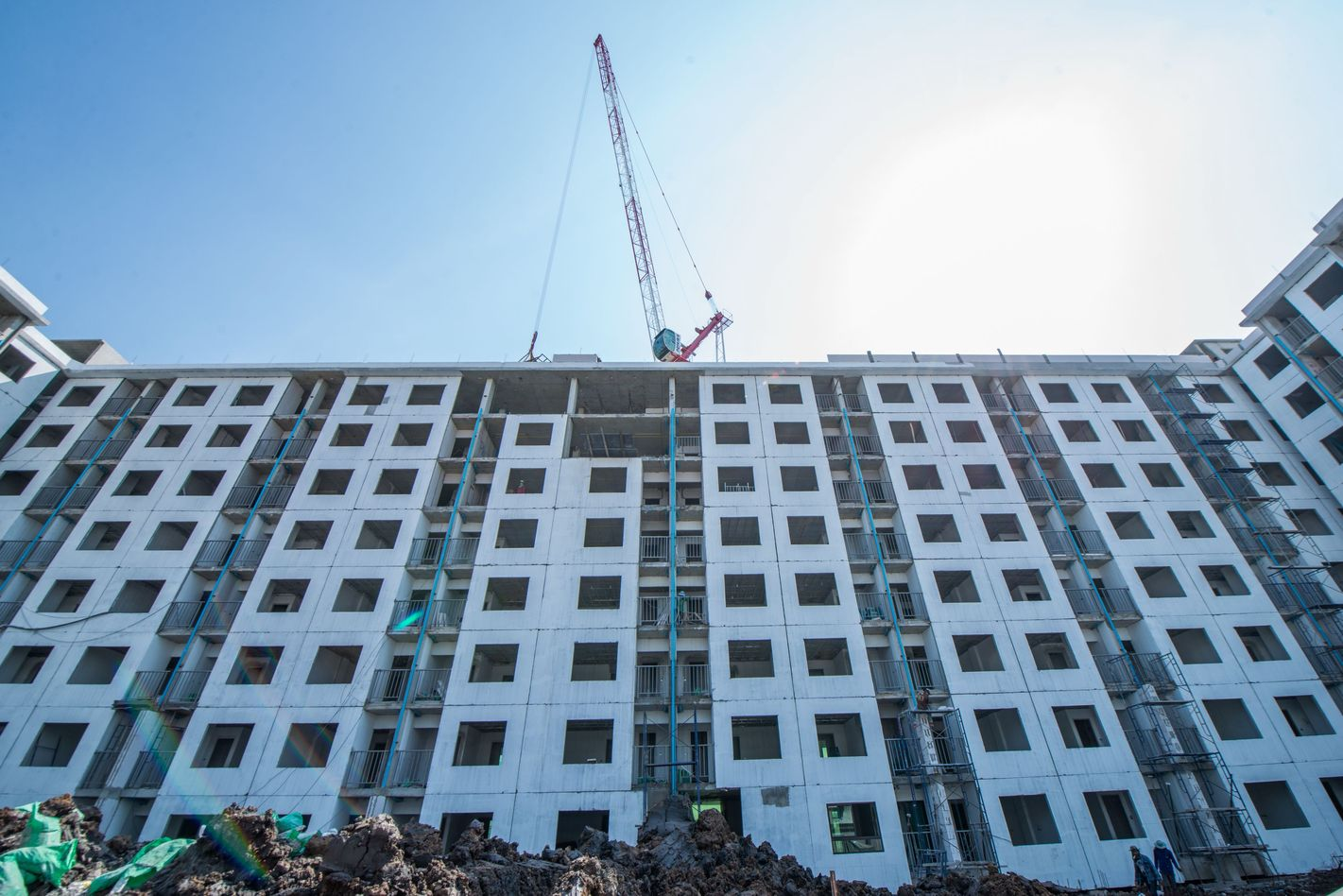Speed up construction by Q CON SCG wall panel