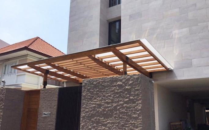 Gargage Acrylic Roof Idea