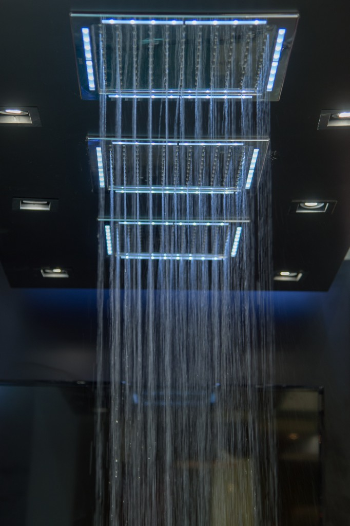 Modern Shower by cotto